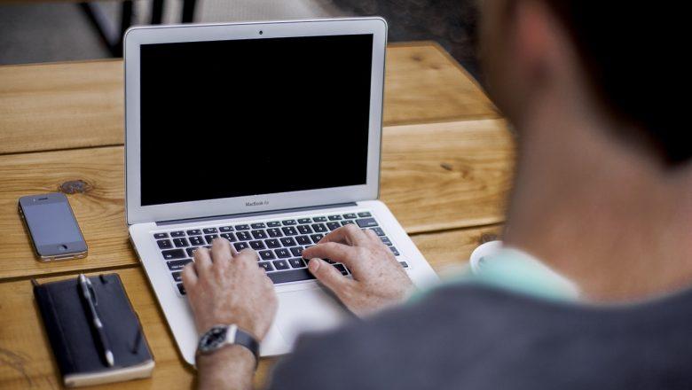 Wybór serwisu wymieniającego baterię MacBook