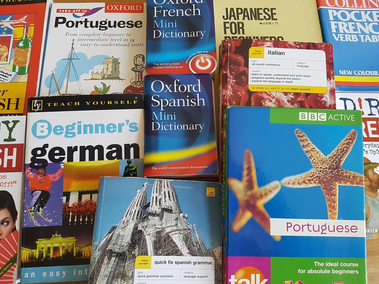 Kiedy skorzystać z usług tłumacza przysięgłego?