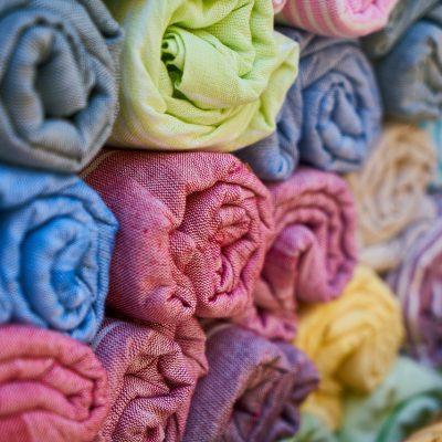 Z kim współpracować prowadząc sklep oferujący tkaniny?